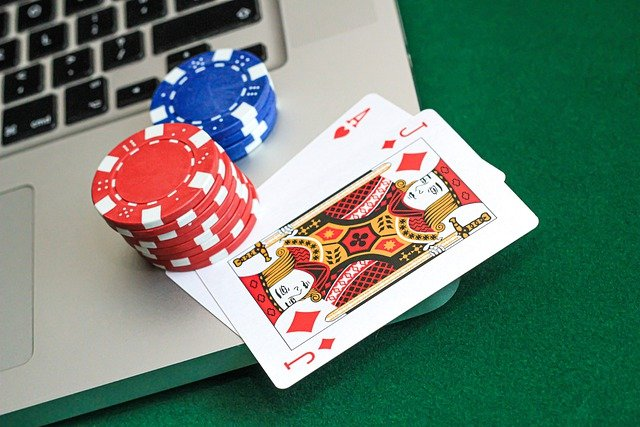 Why you Play Slots at Online Casinos?