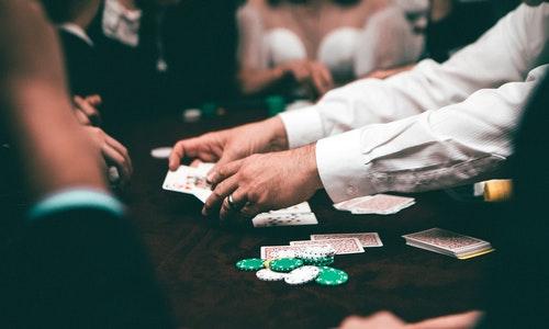 3 Tips to improve gambling skills while placing bets at slot games!!