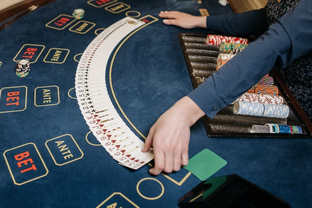 5 Top-Notch Advantages Of Playing Slot Games At Online Casinos